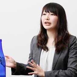 営業本部 企画開発部 企画開発課 桶本 悦子(2011年入社)